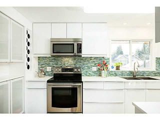 Photo 3: 857 E 12TH Street in North Vancouver: Boulevard House for sale : MLS®# V1107599