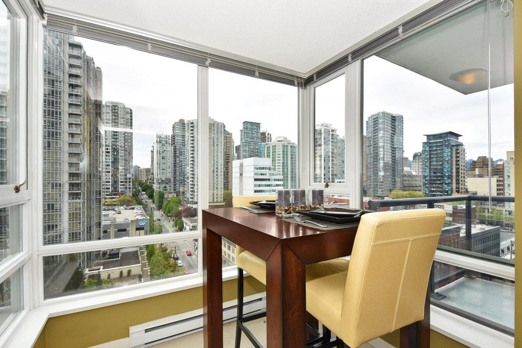 """Photo 10: Photos: 1708 928 BEATTY Street in Vancouver: Yaletown Condo for sale in """"MAX 1"""" (Vancouver West)  : MLS®# R2165040"""