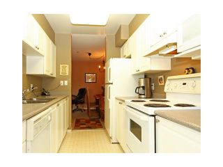 "Photo 2: 310 223 MOUNTAIN Highway in North Vancouver: Lynnmour Condo for sale in ""MOUNTAIN VIEW VILLAGE"" : MLS®# V844629"