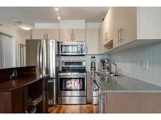 "Photo 2: 608 550 TAYLOR Street in Vancouver: Downtown VW Condo for sale in ""THE TAYLOR"" (Vancouver West)  : MLS®# V1123888"