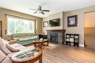 """Photo 3: 65744 VALLEY VIEW Place in Hope: Hope Kawkawa Lake House for sale in """"V0X 1L1"""" : MLS®# R2594069"""