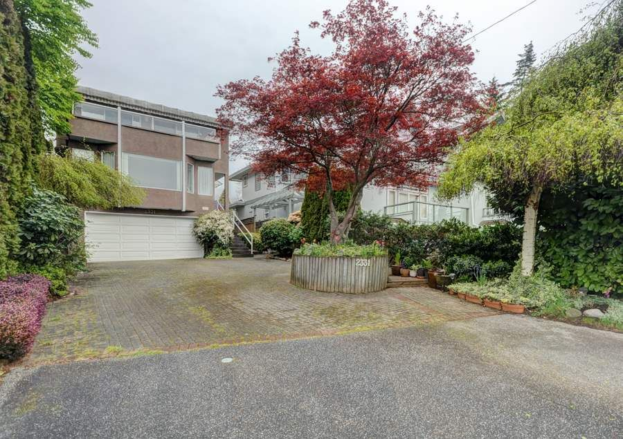 Main Photo: 2331 MARINE DRIVE in West Vancouver: Dundarave House for sale : MLS®# R2053588