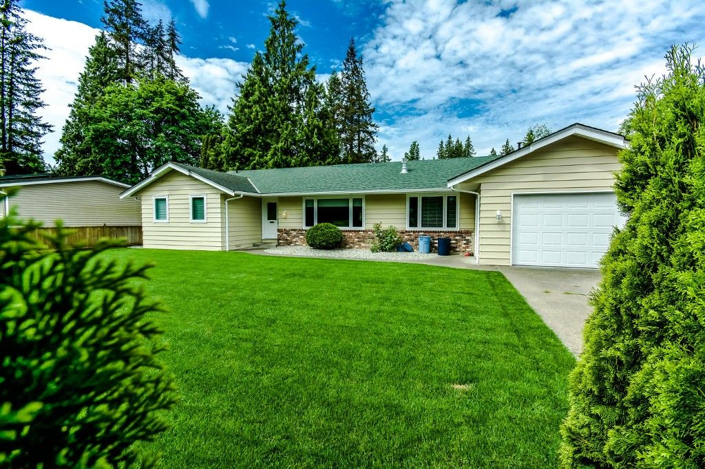 Photo 4: Photos: 4369 200a Street in Langley: Brookswood House for sale : MLS®# R2068522