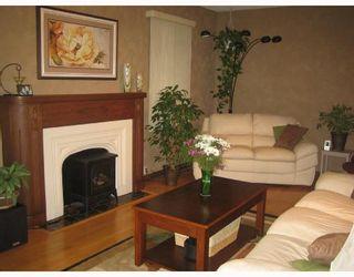 Photo 2: 91 HELMSDALE Avenue in WINNIPEG: East Kildonan Residential for sale (North East Winnipeg)  : MLS®# 2815259