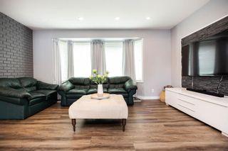 Photo 3: 85 Peony Avenue in Winnipeg: Garden City Residential for sale (4G)  : MLS®# 202015043