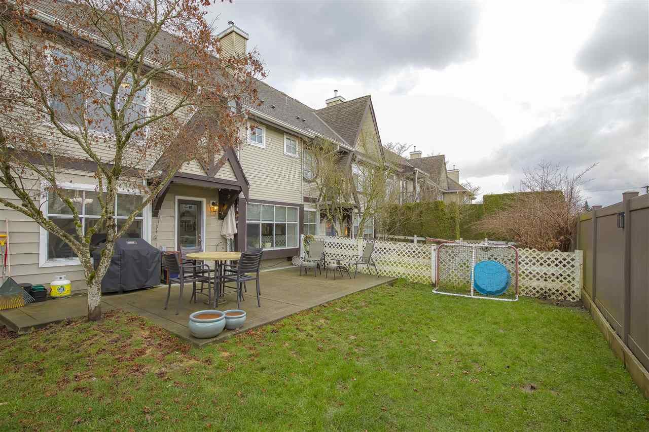 """Photo 18: Photos: 104 12099 237 Street in Maple Ridge: East Central Townhouse for sale in """"GABRIOLA"""" : MLS®# R2436710"""