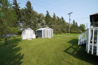 Photo 25: 35 North Drive in Portage la Prairie RM: House for sale : MLS®# 202121805