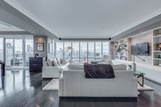 Photo 1: 2201 1 Bedford Road in Toronto: Condo for sale (Toronto C02)  : MLS®# C4431810