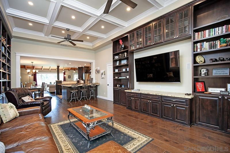 FEATURED LISTING: 1326 Loring St San Diego