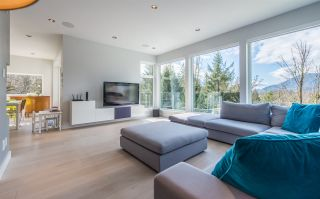 Photo 1: 41120 ROCKRIDGE Place in Squamish: Tantalus House for sale : MLS®# R2164124