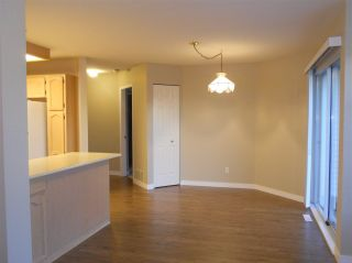 """Photo 11: 6 19649 53 Avenue in Langley: Langley City Townhouse for sale in """"Huntsfield Green"""" : MLS®# R2192002"""