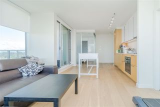 """Photo 10: 2106 13438 CENTRAL Avenue in Surrey: Whalley Condo for sale in """"PRIME ON THE PLAZA"""" (North Surrey)  : MLS®# R2623474"""