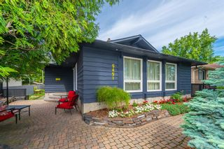 Photo 3: 5451 Silverdale Drive NW in Calgary: Silver Springs Detached for sale : MLS®# A1011333