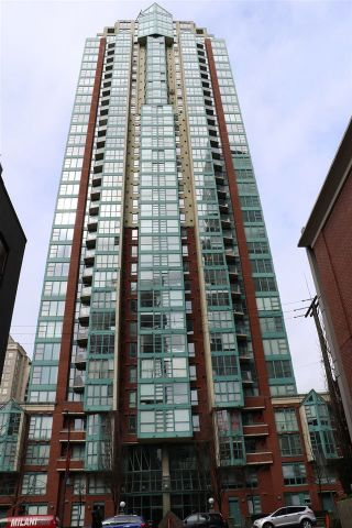 "Photo 3: 606 939 HOMER Street in Vancouver: Yaletown Condo for sale in ""PINNACLE"" (Vancouver West)  : MLS®# R2255765"