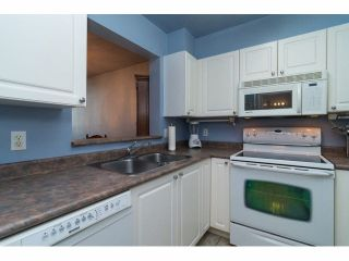 """Photo 10: 416 9979 140TH Street in Surrey: Whalley Condo for sale in """"Whalley"""" (North Surrey)  : MLS®# R2005601"""