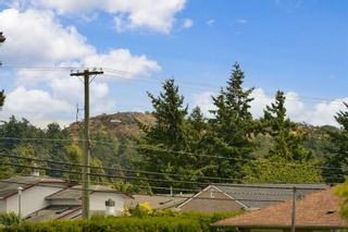 Photo 35: 597 LEASIDE Ave in : SW Glanford House for sale (Saanich West)  : MLS®# 878105
