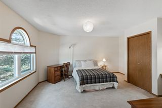 Photo 28: 927 Shawnee Drive SW in Calgary: Shawnee Slopes Detached for sale : MLS®# A1123376