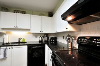 """Photo 4: 303 6737 STATION HILL Court in Burnaby: South Slope Condo for sale in """"THE COURTYARDS"""" (Burnaby South)  : MLS®# R2077188"""