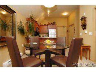 Photo 4: 404 663 Goldstream Ave in VICTORIA: La Fairway Condo for sale (Langford)  : MLS®# 499068
