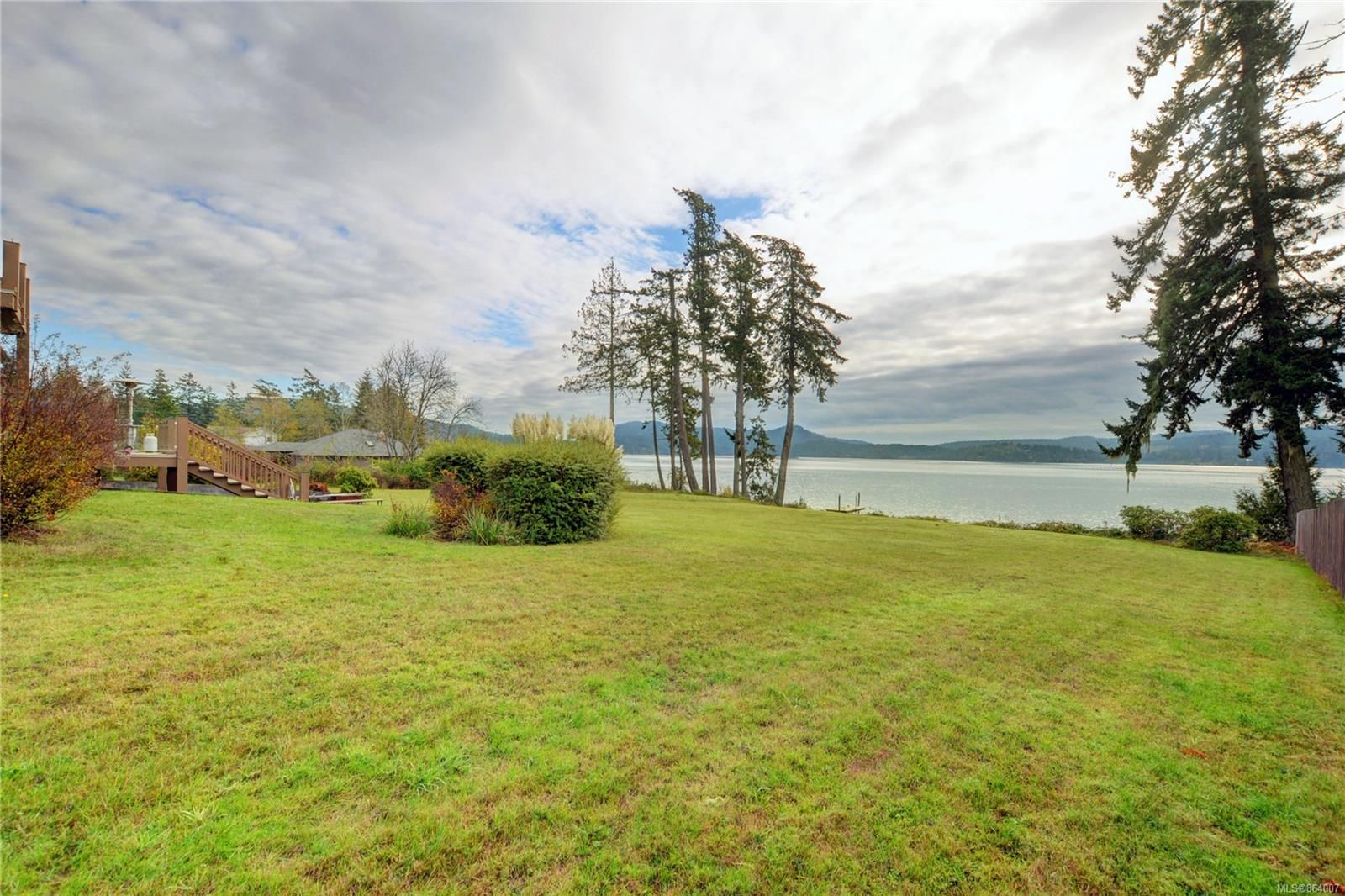 Photo 3: Photos: 5697 Sooke Rd in : Sk Saseenos House for sale (Sooke)  : MLS®# 864007