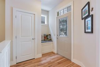Photo 5: 2214 Broadview Road NW in Calgary: West Hillhurst Semi Detached for sale : MLS®# A1042467