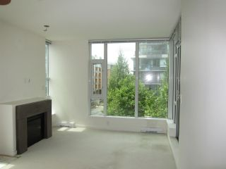 "Photo 7: 402 2528 MAPLE Street in Vancouver: Kitsilano Condo for sale in ""Pulse"" (Vancouver West)  : MLS®# R2397843"