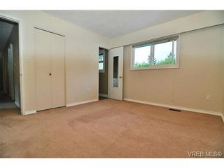 Photo 10: 504 Salton Dr in VICTORIA: Co Triangle House for sale (Colwood)  : MLS®# 703189