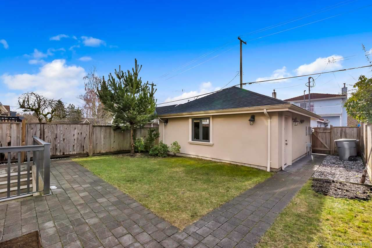 Photo 2: Photos: 4248 W 15TH Avenue in Vancouver: Point Grey House for sale (Vancouver West)  : MLS®# R2329684