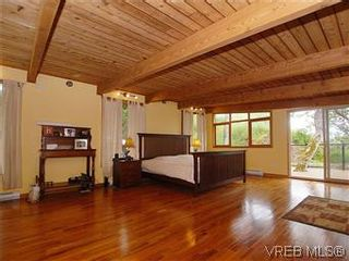 Photo 7: 2904 PHYLLIS Street in VICTORIA: SE Ten Mile Point House for sale (Saanich East)  : MLS®# 303995