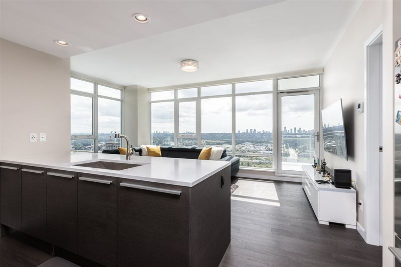 FEATURED LISTING: 3508 - 4485 SKYLINE Drive Burnaby