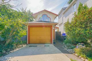 Photo 1: 214 MOWAT Street in New Westminster: Uptown NW House for sale : MLS®# R2615823