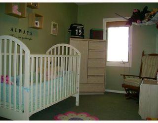 Photo 8: 330 QUEEN Street in WINNIPEG: St James Residential for sale (West Winnipeg)  : MLS®# 2814466