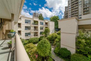 """Photo 4: 402 1350 COMOX Street in Vancouver: West End VW Condo for sale in """"Broughton Terrace"""" (Vancouver West)  : MLS®# R2474523"""