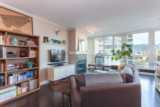 """Photo 3: 901 120 MILROSS Avenue in Vancouver: Mount Pleasant VE Condo for sale in """"The Brighton"""" (Vancouver East)  : MLS®# R2223429"""