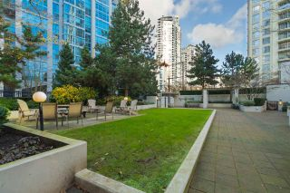 """Photo 17: 204 1295 RICHARDS Street in Vancouver: Downtown VW Condo for sale in """"THE OSCAR"""" (Vancouver West)  : MLS®# R2124812"""