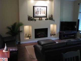 Photo 3: 73 3009 156TH Street in Surrey: Grandview Surrey Condo for sale (South Surrey White Rock)  : MLS®# F1225648