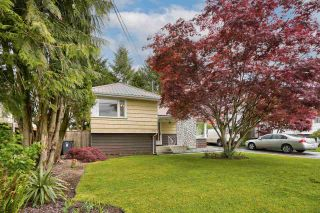 Photo 4: 27153 34 Avenue: House for sale in Langley: MLS®# R2577651