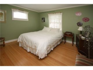 Photo 7: 827 15th Street in New Westminster: House for sale : MLS®# V840518