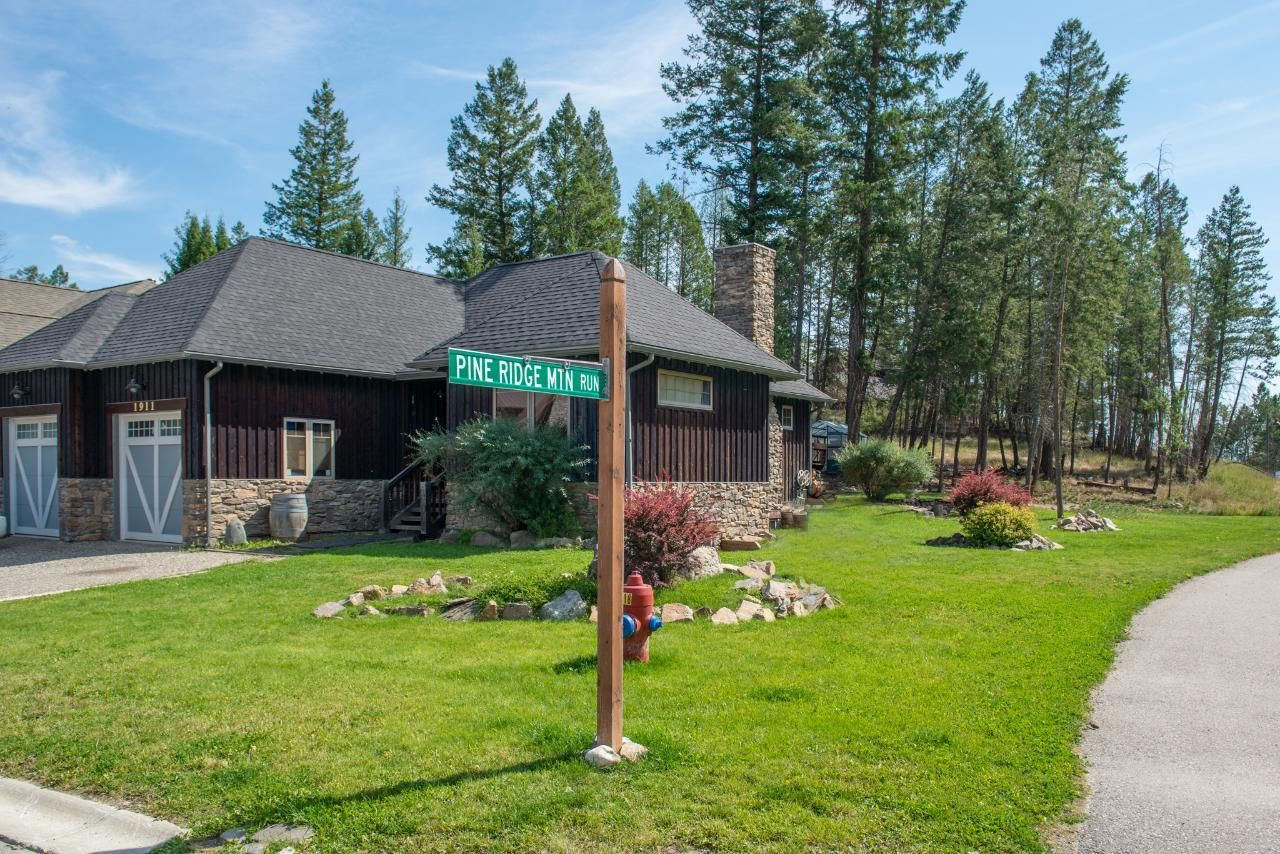 Main Photo: 1911 PINERIDGE MOUNTAIN GATE in Invermere: House for sale : MLS®# 2460769