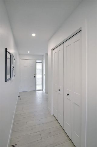 Photo 37: 64 Glamis Gardens SW in Calgary: Glamorgan Row/Townhouse for sale : MLS®# A1112302