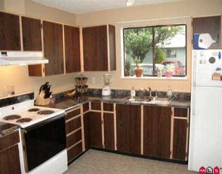 """Photo 3: 92 10842 152ND ST in Surrey: Bolivar Heights Townhouse for sale in """"WOODBRIDGE"""" (North Surrey)  : MLS®# F2612696"""