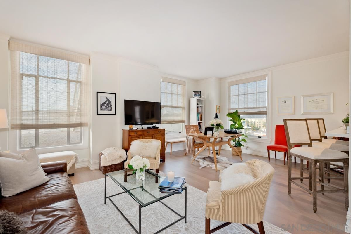 Main Photo: DOWNTOWN Condo for sale : 1 bedrooms : 702 Ash St #701 in San Diego
