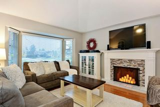 """Photo 3: 18617 60A Avenue in Surrey: Cloverdale BC House for sale in """"Eaglecrest"""" (Cloverdale)  : MLS®# R2324863"""