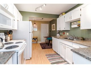 """Photo 9: 805 9139 154 Street in Surrey: Fleetwood Tynehead Townhouse for sale in """"Lexington Square"""" : MLS®# R2431673"""