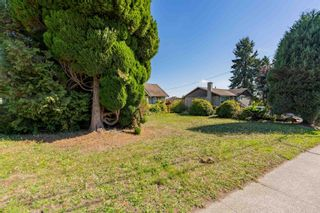 Photo 4: 375 BLUE MOUNTAIN Street in Coquitlam: Maillardville House for sale : MLS®# R2622191