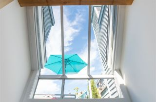 "Photo 34: 1676 ARBUTUS Street in Vancouver: Kitsilano Townhouse for sale in ""ARBUTUS COURT"" (Vancouver West)  : MLS®# R2527219"