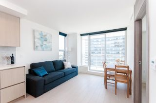 """Photo 3: 1802 455 SW MARINE Drive in Vancouver: Marpole Condo for sale in """"W1"""" (Vancouver West)  : MLS®# R2382915"""