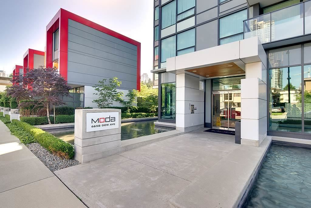 "Main Photo: 1606 6658 DOW AVE Avenue in Burnaby: Metrotown Condo for sale in ""MODA"" (Burnaby South)  : MLS®# R2430580"