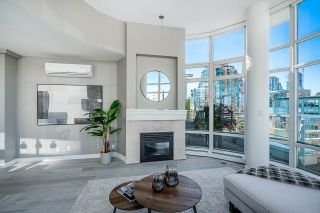 Photo 3: 1702 189 DAVIE STREET in Vancouver: Yaletown Condo for sale (Vancouver West)  : MLS®# R2504054