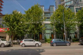 """Photo 1: 1285 SEYMOUR Street in Vancouver: Downtown VW Townhouse for sale in """"THE ELAN"""" (Vancouver West)  : MLS®# R2077325"""